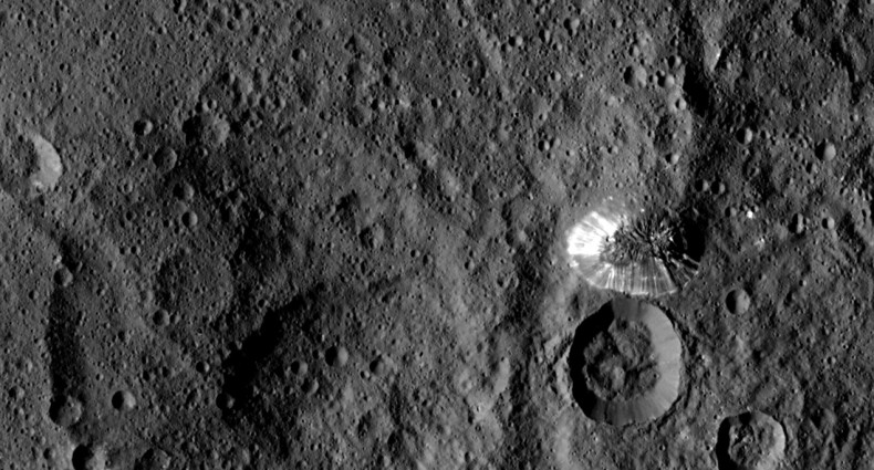 NASA Dawn spacecraft gets up close and person with Ceres pyramid mountain