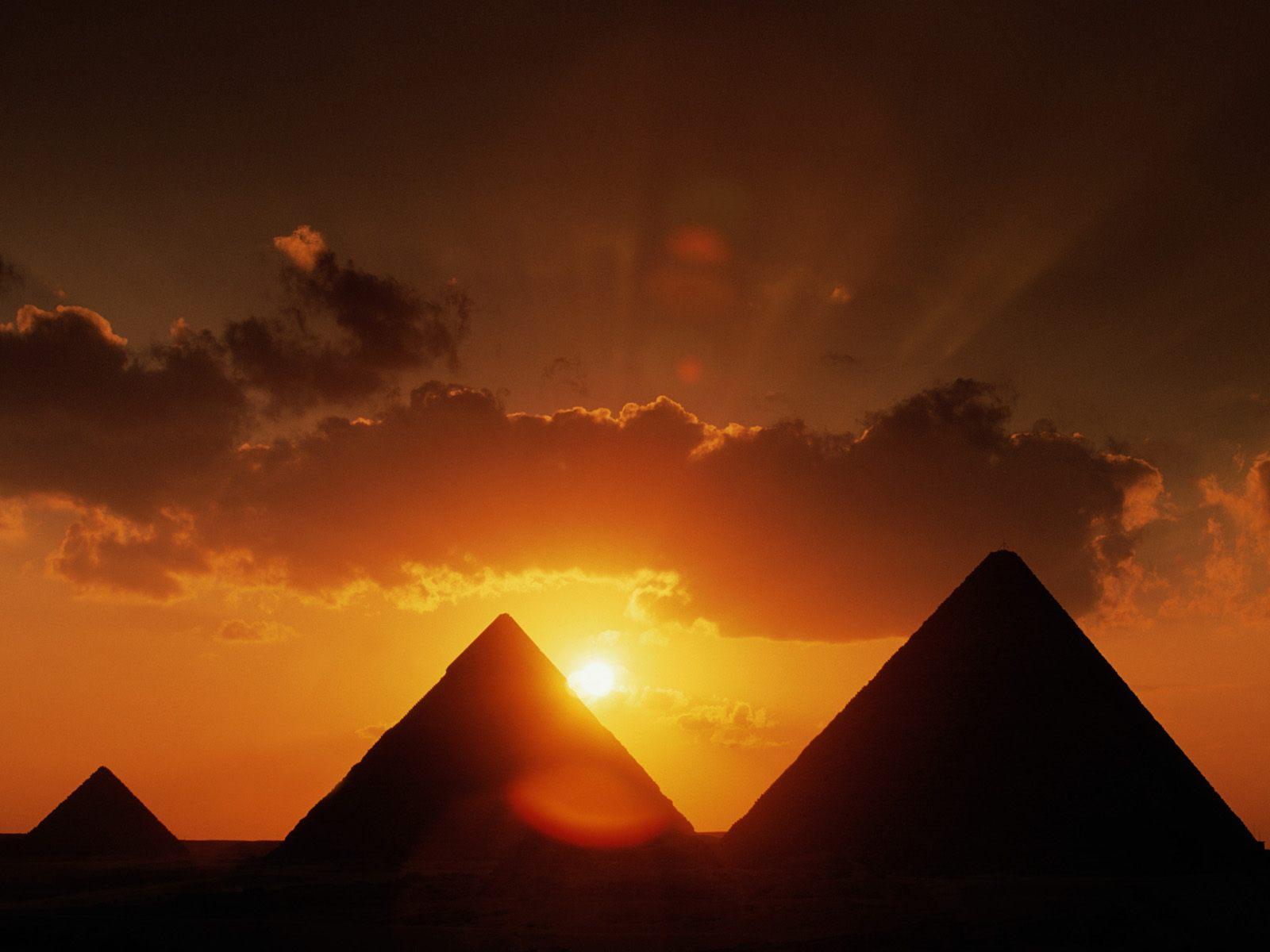 Egyptian Pyramids, alternative history