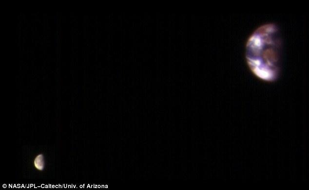 earth-moon-nasa-mars-orbiter